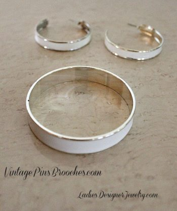 Vintage White Enamel Silver Tone Bangle Bracelet Hoop Earrings Jewelry Set Bracelets